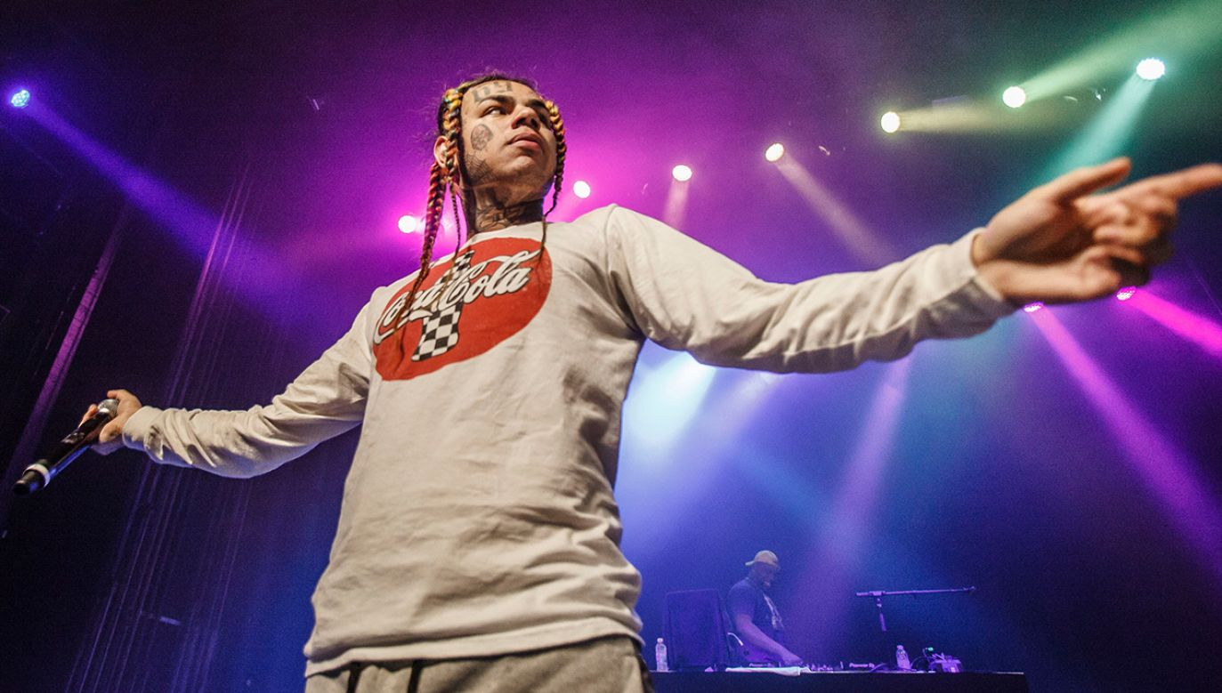 Tekashi 6ix9ine chce wrócić do nagrywania (fot. Avalon/PYMCA/Gonzales Photo/Per Lange/Universal Images Group via Getty Images)