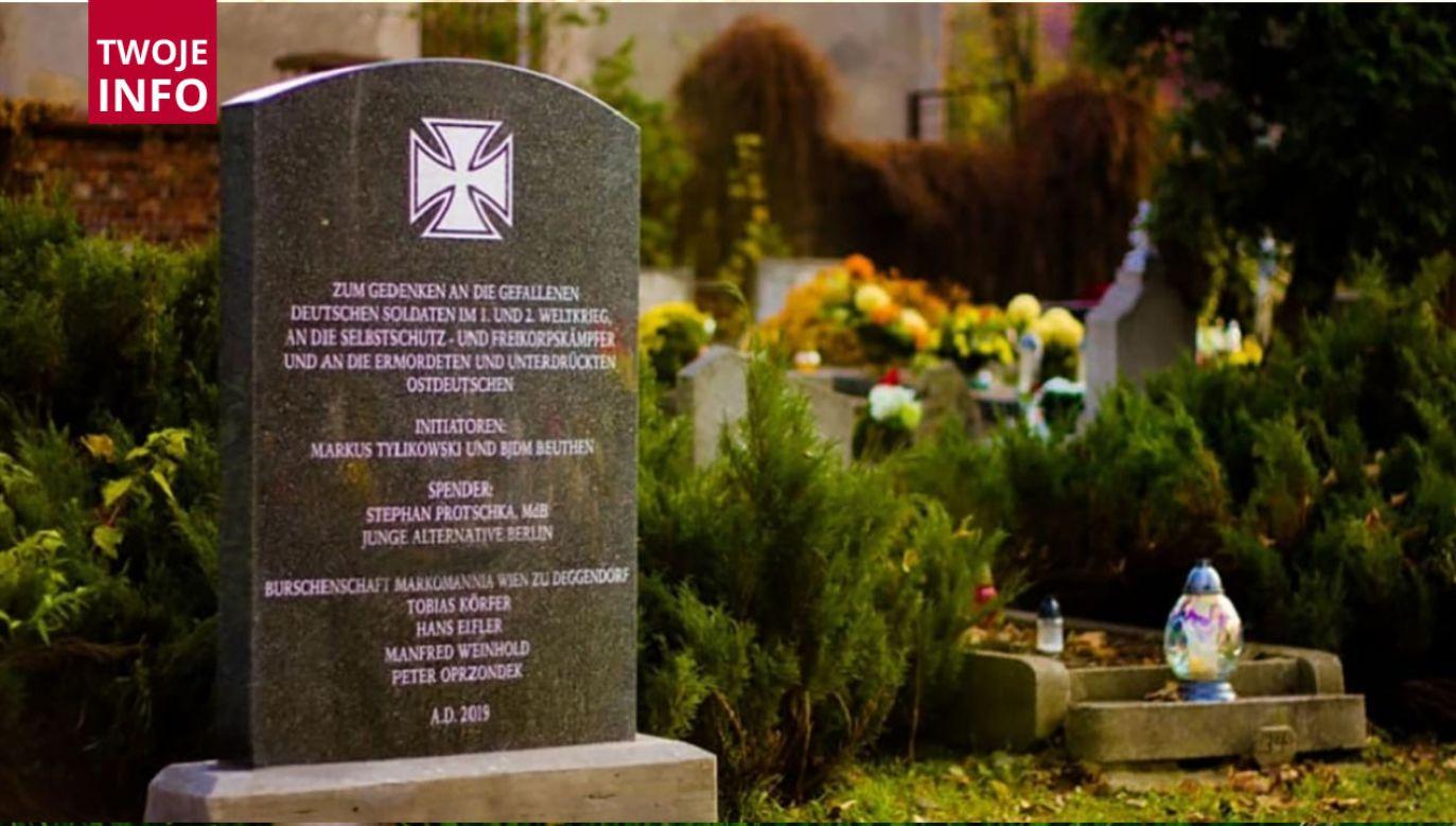 Chodzi o tablicę na cmentarzu przy ul. Powstańców Śląskich w Bytomiu (fot. Twoje Info)