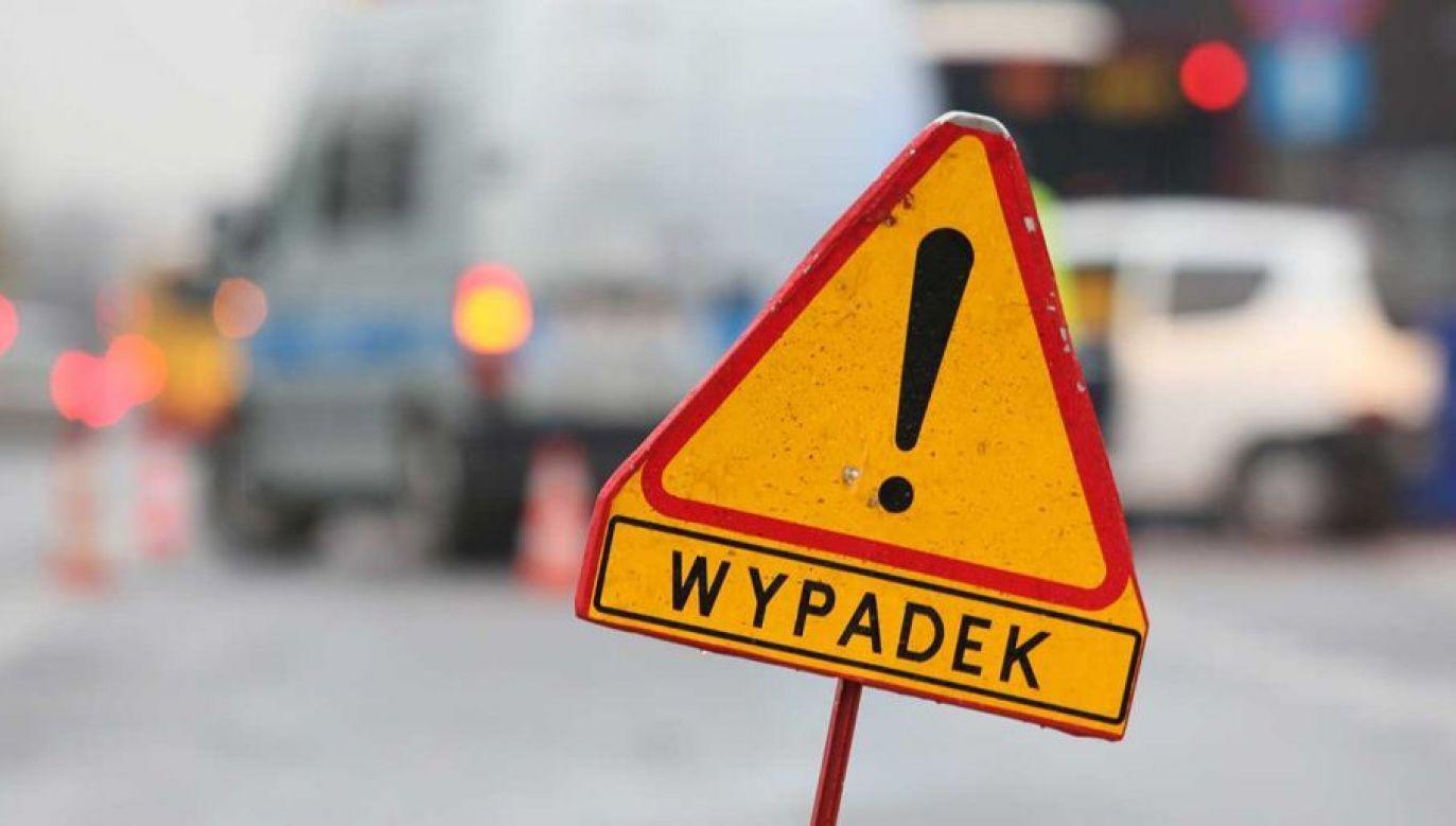 Poszkodowani zostali przewiezieni do szpitala (fot. arch. PAP/Leszek Szymański)