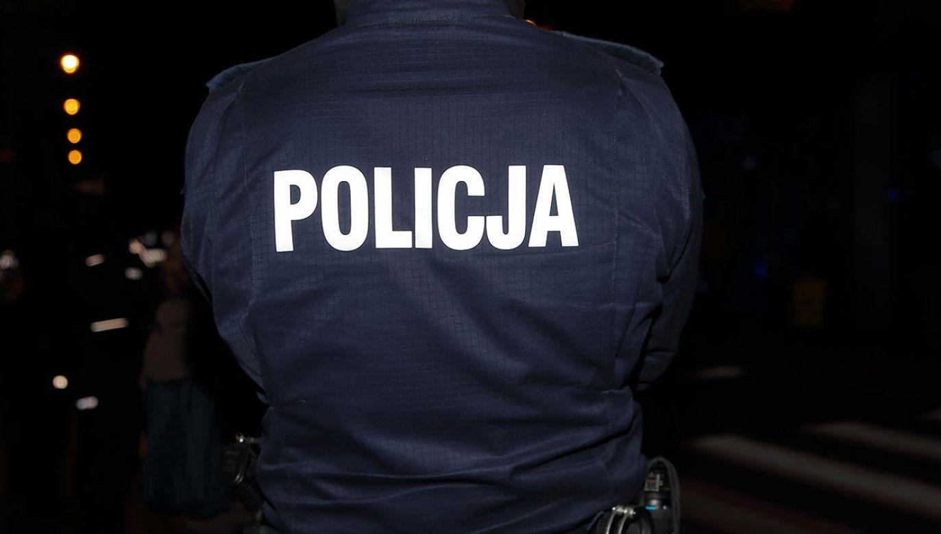 35-latek korespondował z rzekomą 14-latką (fot. Shutterstock/Wiola Wiaderek)