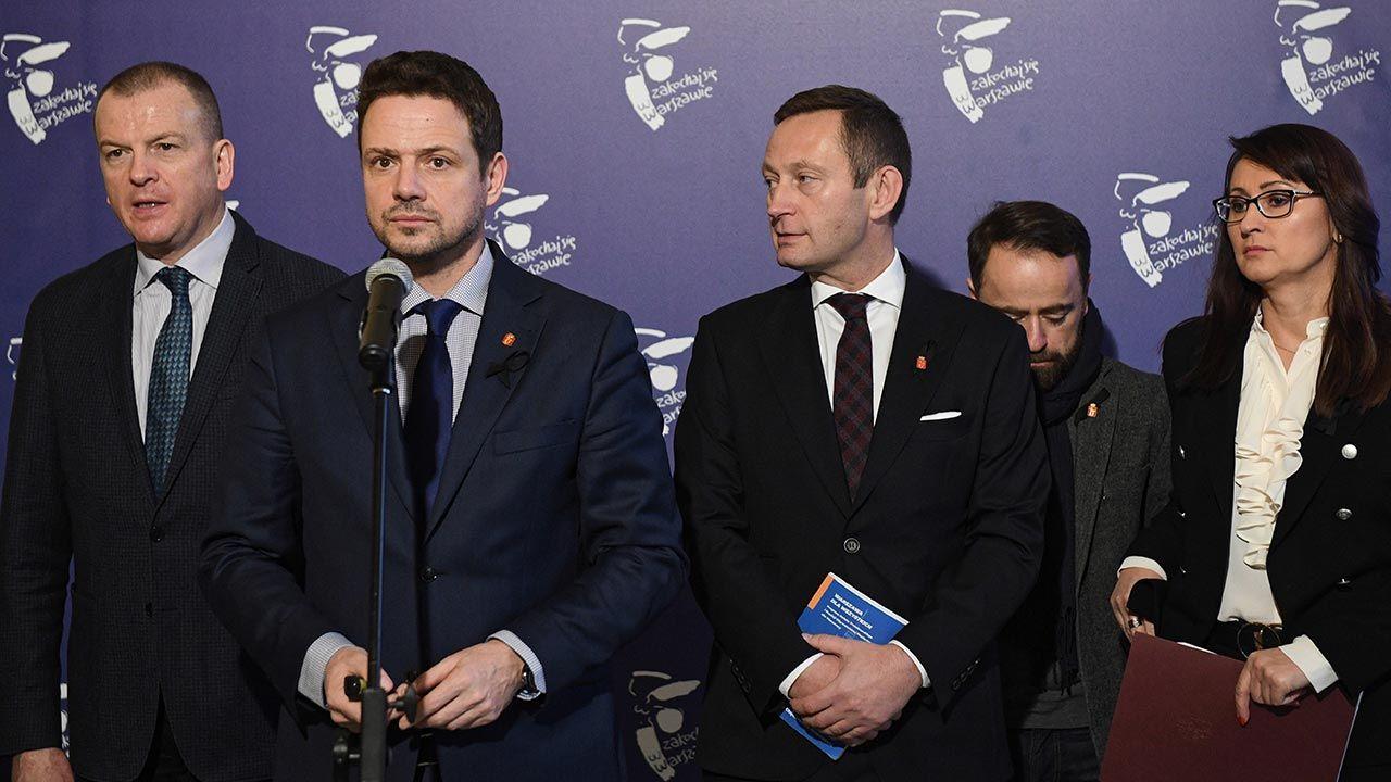 Portal wp.pl dotarł do oświadczeń majątkowych władz stolicy (fot. PAP/Radek Pietruszka)