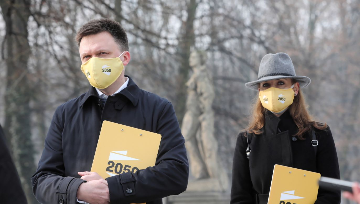 Lider Polski 2050 Szymon Hołownia i Joanna Mucha (fot. PAP/Wojciech Olkuśnik)
