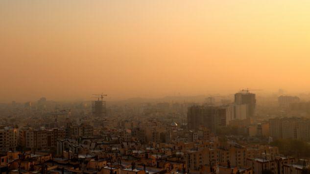 Z Teheranu nie widać pobliskiego pasma Elburs (fot. Muhammet Kursun/Anadolu Agency via Getty Images)