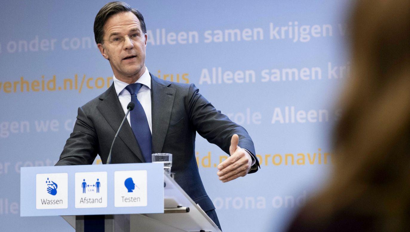 """""""Wygląda na to, że nie tylko Rutte ukrywał informacje o skandalu z zasiłkami"""" (fot. PAP/EPA/SEM VAN DER WAL)"""