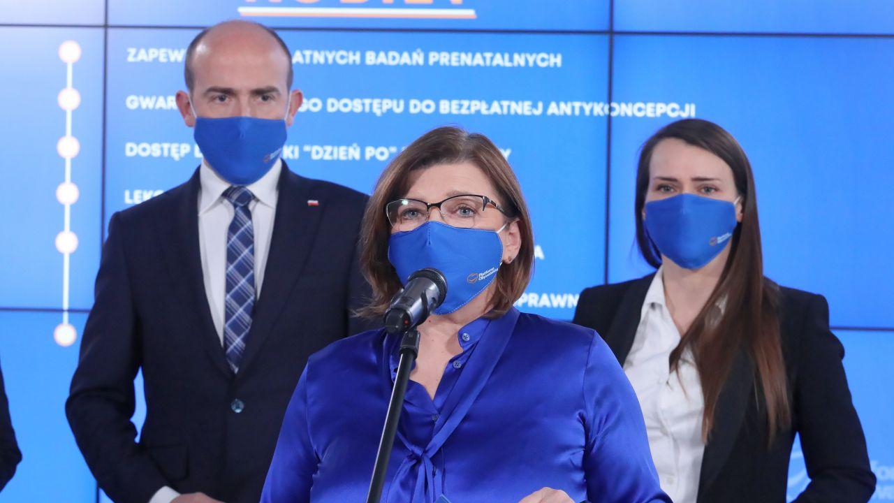 Izabela Leszczyna i łamania konstytucji (fot. arch.  PAP/Paweł Supernak)