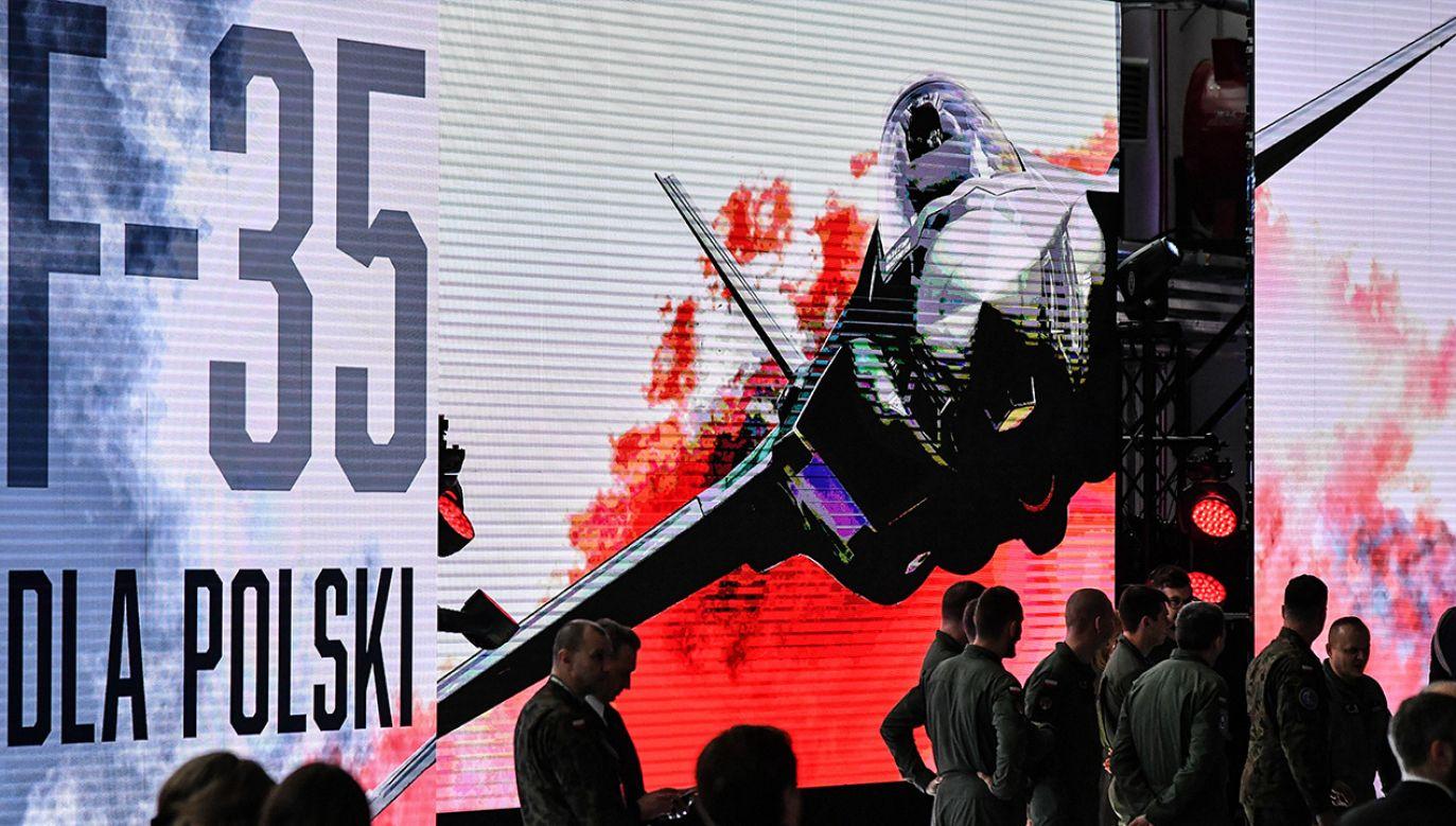 """Witold Gadowski twierdzi nawet, że """"Izraelczycy płacą prawie połowę tej ceny"""" co Polska za myśliwce F-35 (fot. PAP/Wojtek Jargiło)"""
