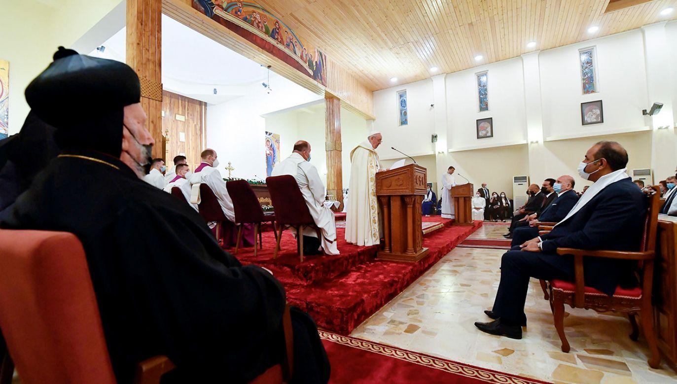 Msza to ostatni punkt drugiego dnia historycznej wizyty Franciszka w Iraku (fot. PAP/EPA/VATICAN MEDIA HANDOUT)