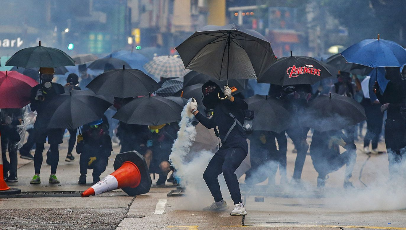 Trwające od czerwca demonstracje pogrążyły Hongkong w największym kryzysie politycznym od 1997 roku (fot. PAP/EPA/FAZRY ISMAIL)