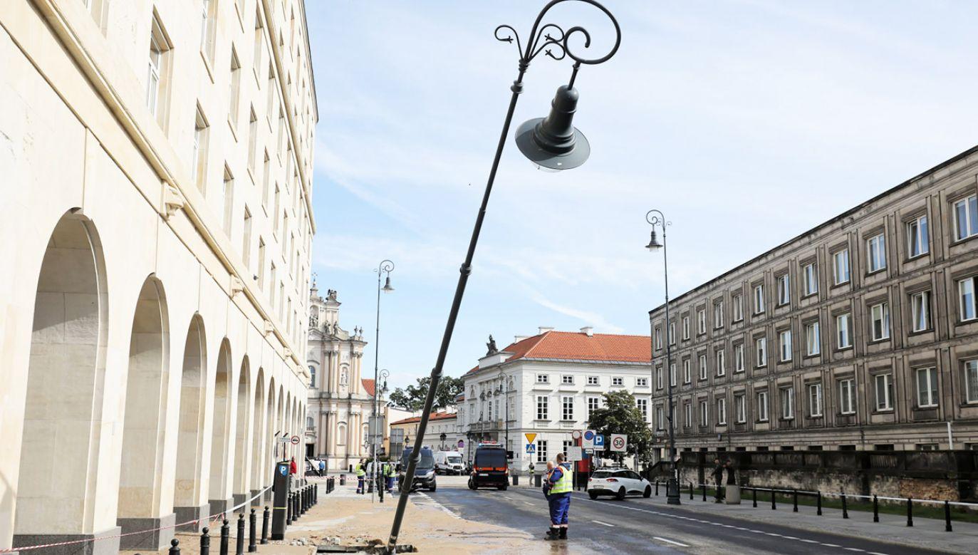 Awaria w centrum Warszawy (fot. PAP/Paweł Supernak)