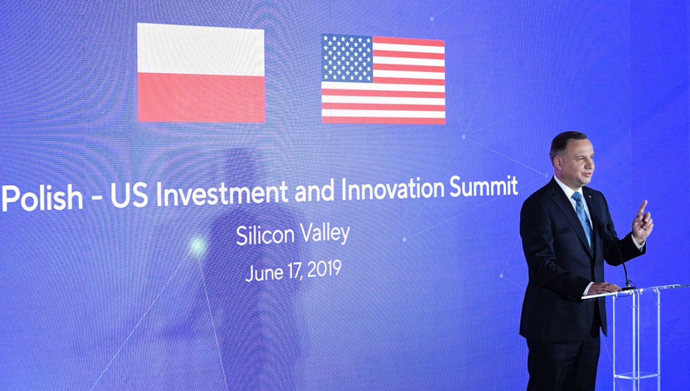 Prezydent RP Andrzej Duda podczas otwarcia Polsko-Amerykańskiego Forum Nowych Technologii (fot. PAP/Radek Pietruszka)