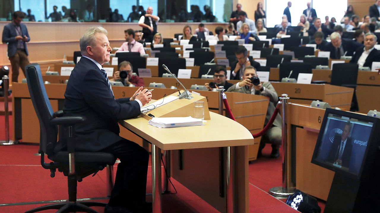 Politycy PiS-u przekonują, że problemy Janusza Wojciechowskiego w Parlamencie Europejskim wynikają z działań opozycji i niechęci brukselskich elit do PiS–u  (fot. REUTERS/Yves Herman)