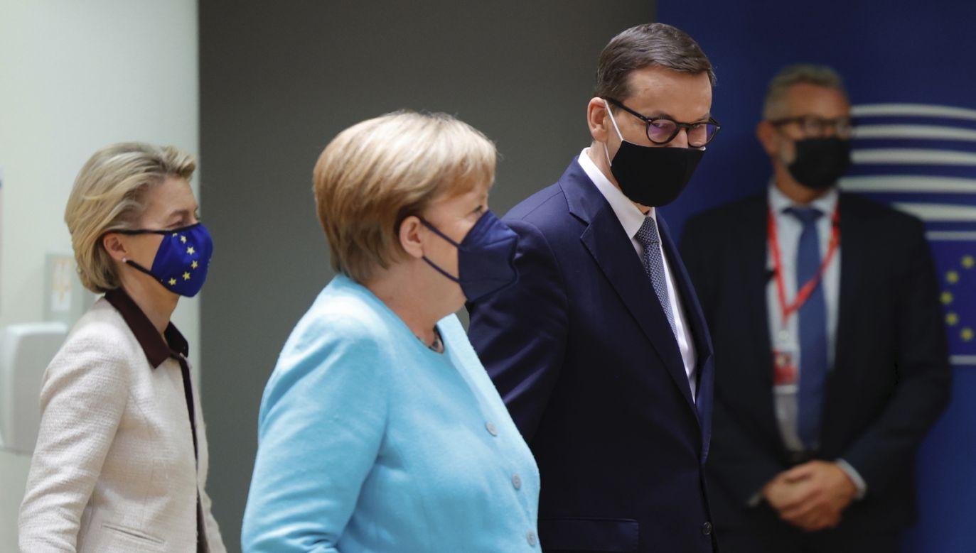 Premier Mateusz Morawiecki na szczycie Rady Europejskiej w Brukseli (fot. EPA/OLIVIER MATTHYS / PAP/EPA)