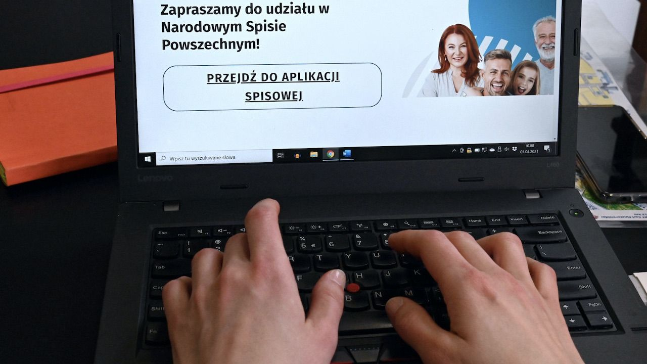 Formularz internetowy to niejedyna możliwość wzięcia udziału w spisie powszechnym (fot. PAP/Marcin Bielecki)