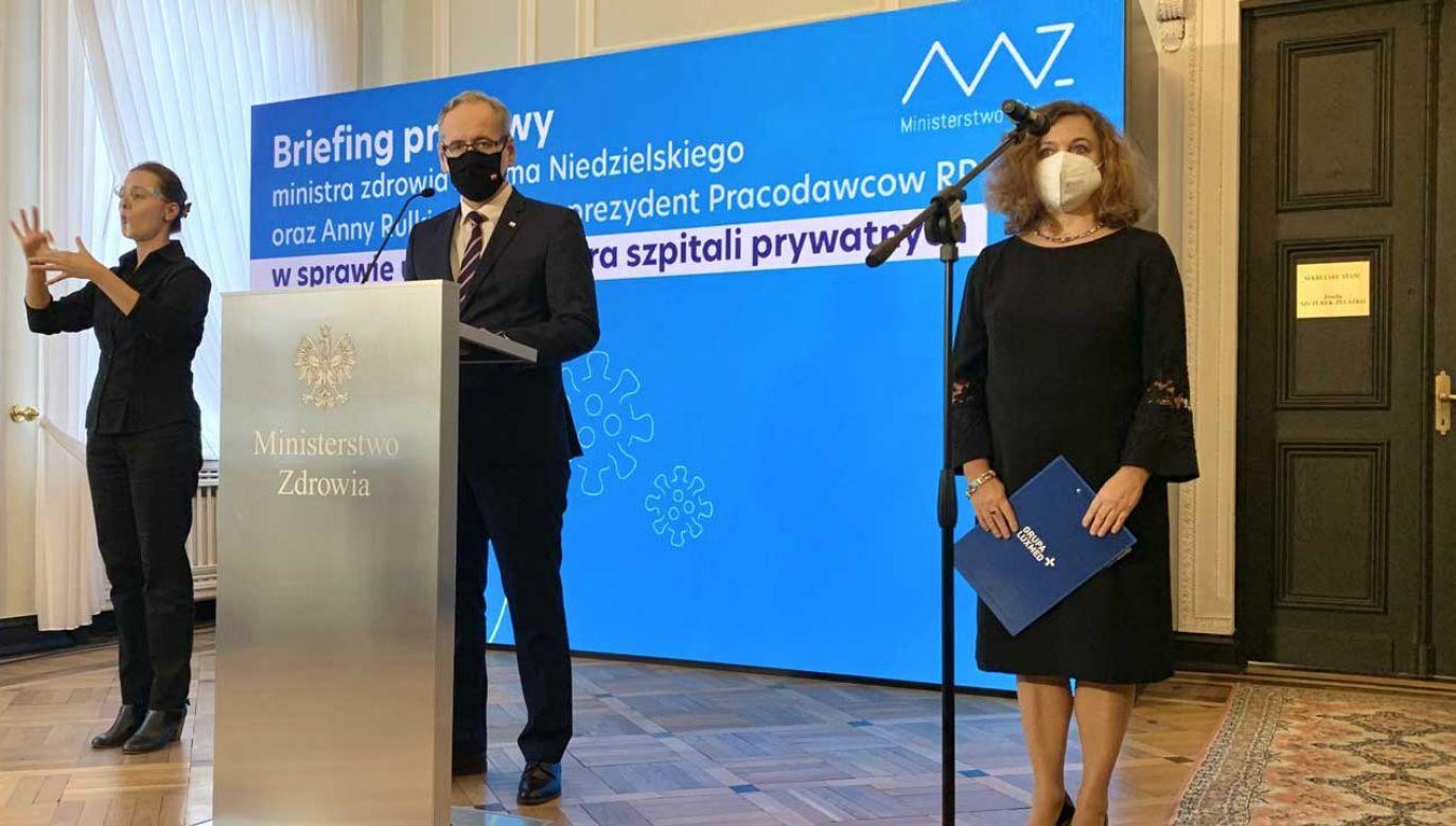 Aktualna baza łóżek covidowych to 17 tys. w całej Polsce (fot. Twitter/Ministerstwo Zdrowia)