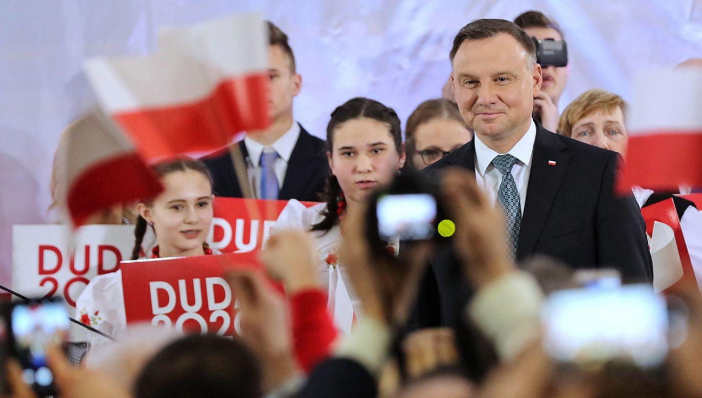 – Jak ktoś pozwalał okradać nas z 50 mld zł VAT-u to jasne, że nie mógł dać ich ludziom – mówił Andrzej Duda (fot. PAP/Grzegorz Momot)
