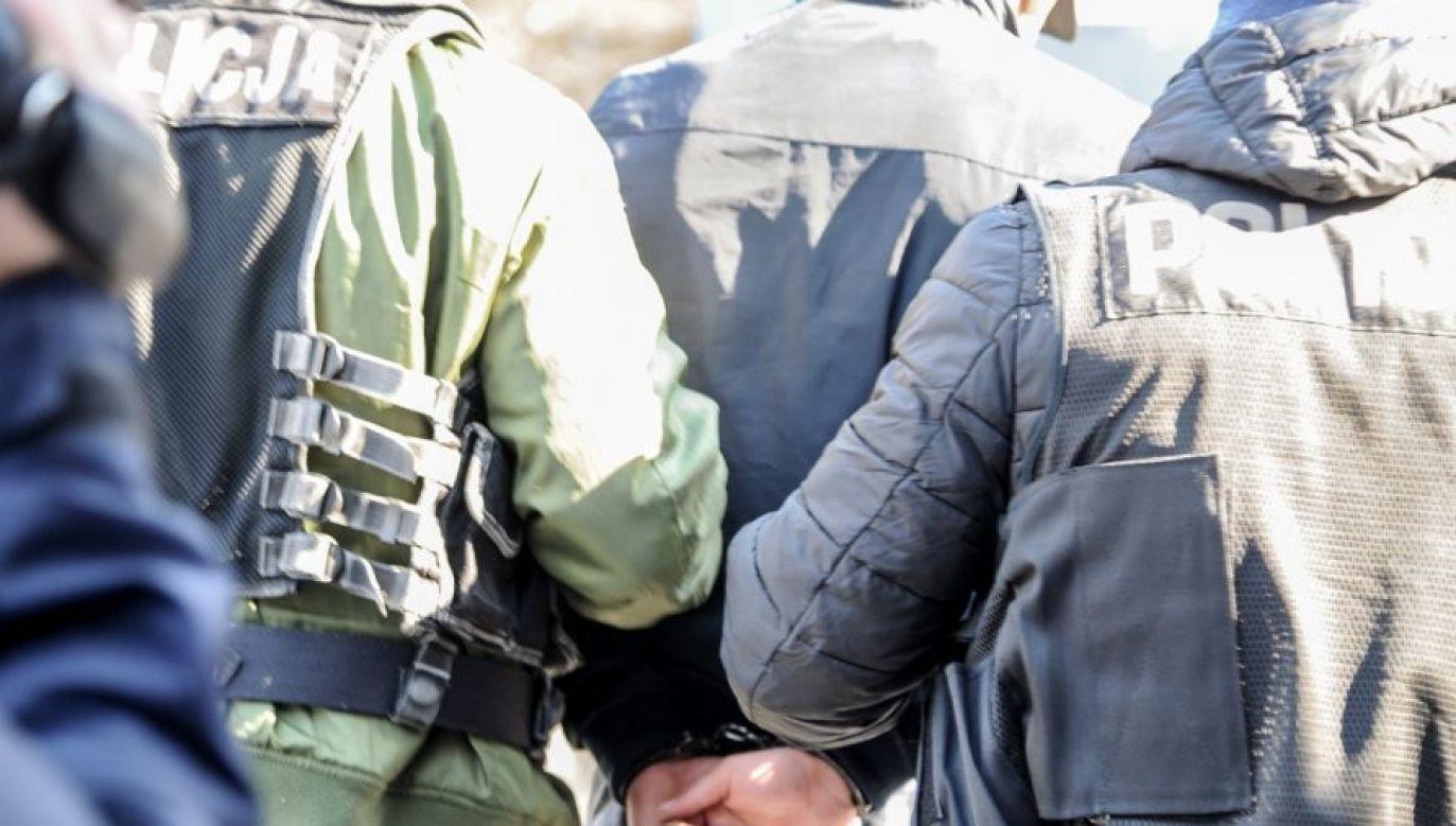 Funkcjonariusz wciąż przebywa za kratami (fot. arch.)