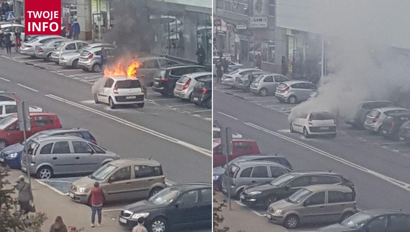 Na miejscu straż pożarna ugasiła pożar, nie ma utrudnień w ruchu (fot. mmz24.pl)
