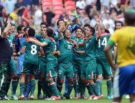 Radość piłkarzy Meksyku po końcowym gwizdku (fot.PAP)