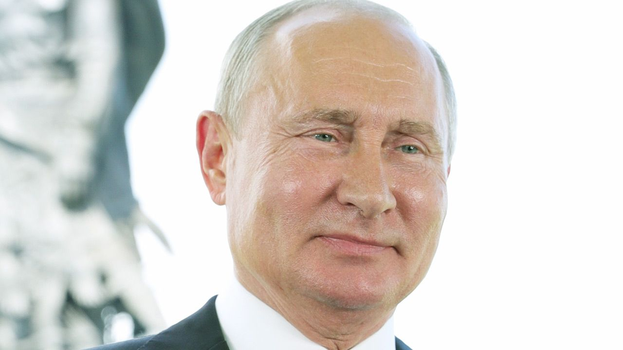 """""""Putin robi interesy z Merkel"""" (fot. Mikhail Klimentyev\TASS via Getty Images)"""