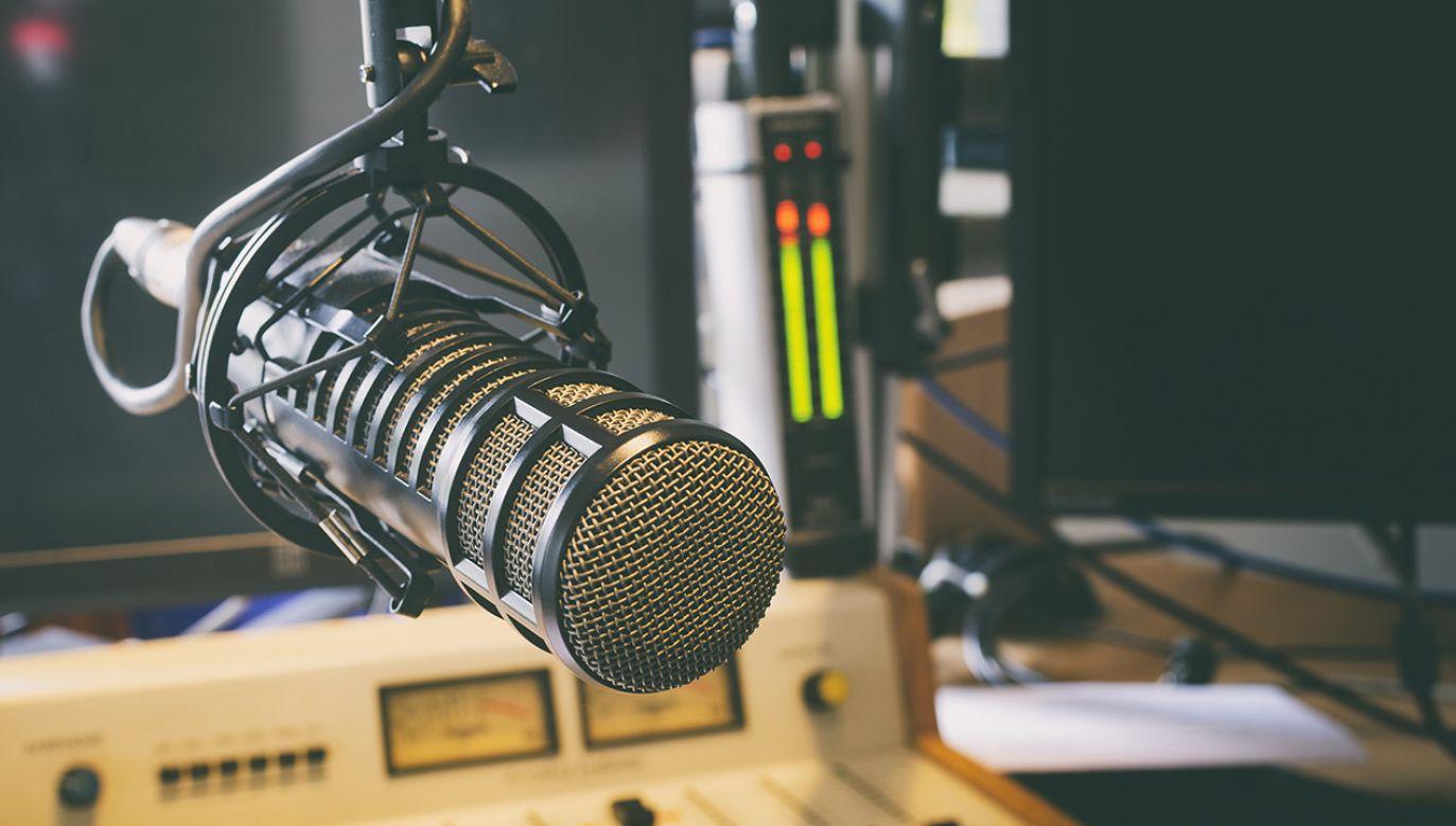 Wszystkie anteny Polskiego Radia na czas kwarantanny zmieniają ramówkę (fot. Shutterstock/radioshoot)