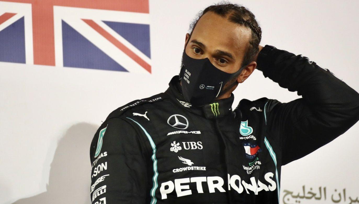 Lewis Hamilton nie wystąpi w GP Sakhir z powodu zakażenia koronawirusem (fot. PAP/EPA/Bryn Lennon/Pool)