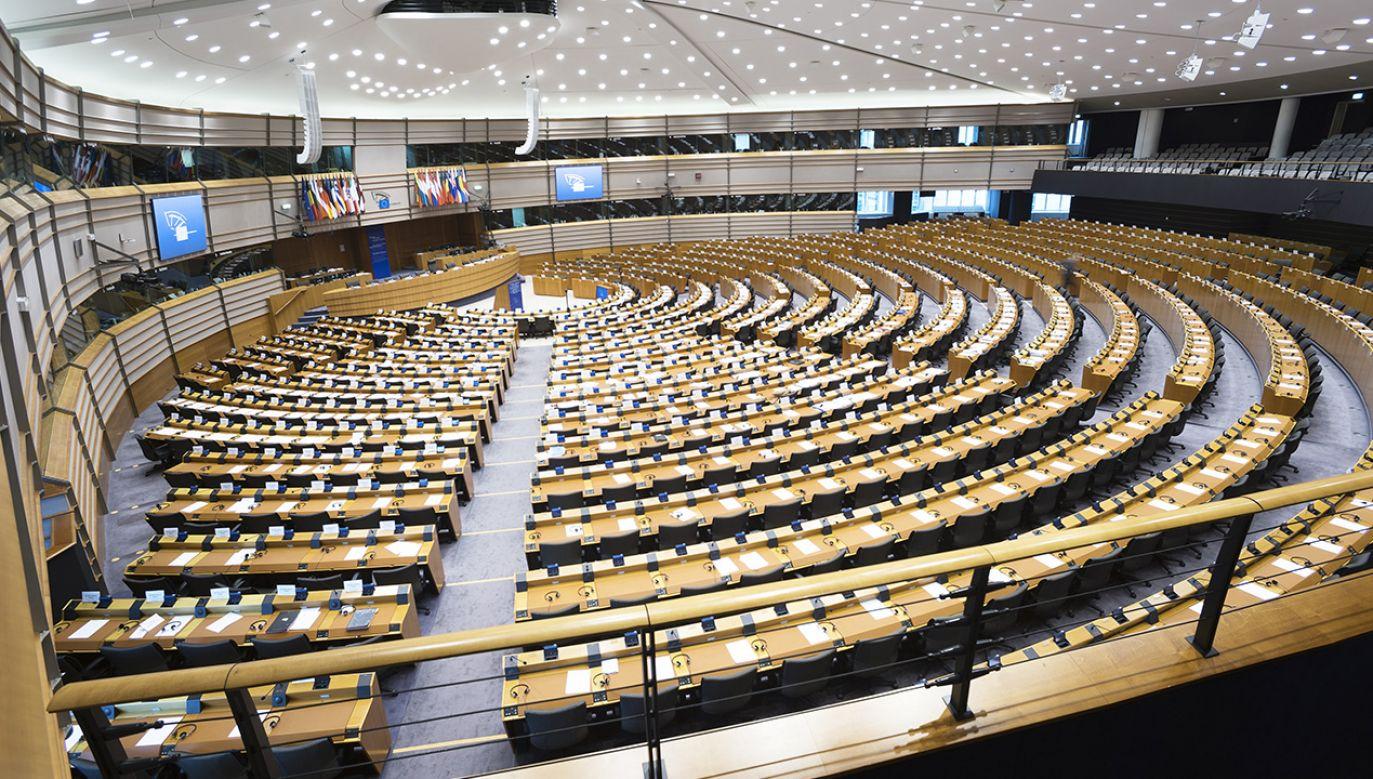 Sytuację przedstawi unijny komisarz ds. sprawiedliwości Didier Reynders i przedstawiciel fińskiej prezydencji (fot. Shutterstock/Six Dun)