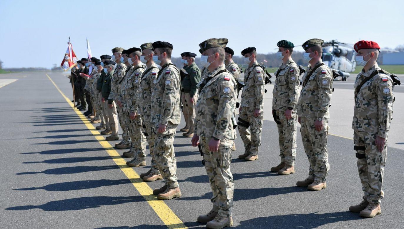 Wylot żołnierzy na misję NATO w Turcji (fot. PAP/Adam Warżawa)