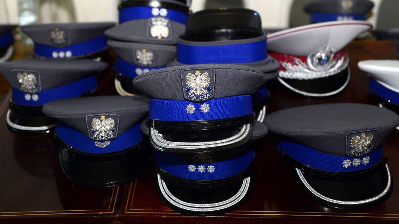 Były policjant wydziału kryminalnego ostródzkiej policji został skazany za stalking podwładnej (fot. arch. PAP/ PAP/Radek Pietruszka)