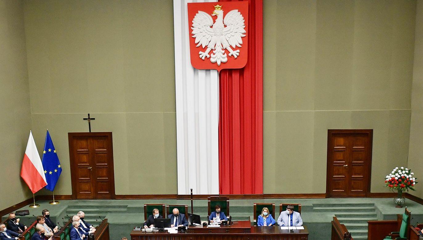 Wyniki nowego sondażu do Sejmu (fot. PAP/Marcin Obara)
