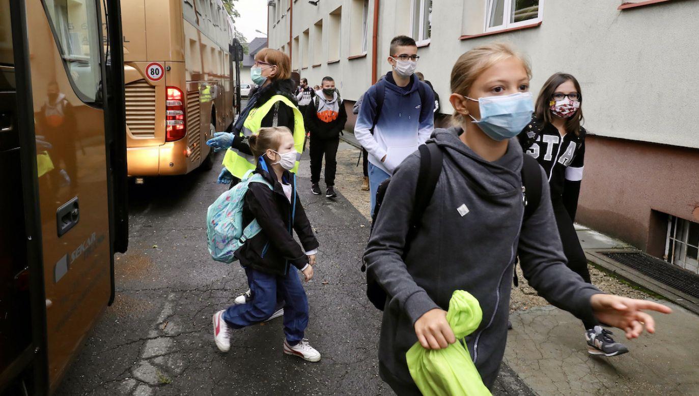 Z końcem maja wszyscy uczniowie wrócą do szkół (fot. arch.PAP/Paweł Supernak)