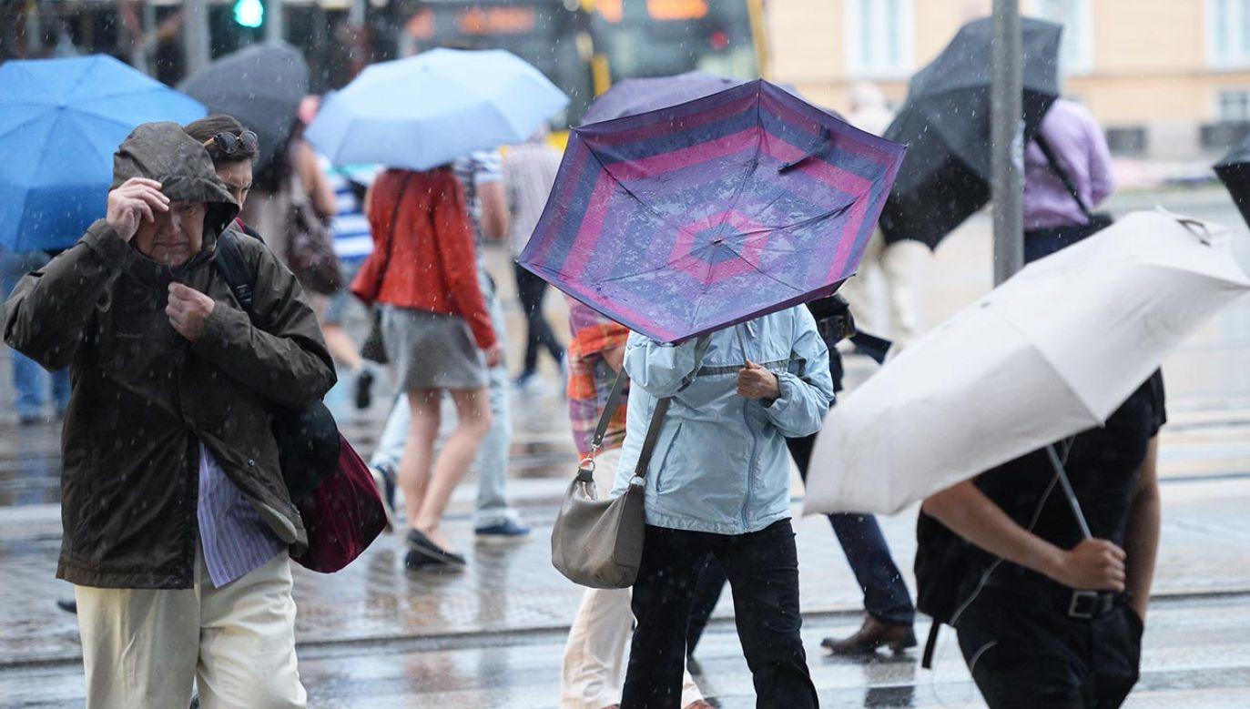 IMGW radzi, aby dostosować swoje plany do warunków pogodowych (fot. PAP/Jacek Turczyk)