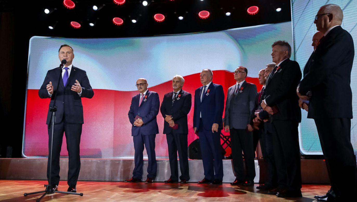 Prezydent Andrzej Duda podczas Gali 100-lecia Polskiego Związku Lekkiej Atletyki (fot. KPRP/Jakub Szymczuk)