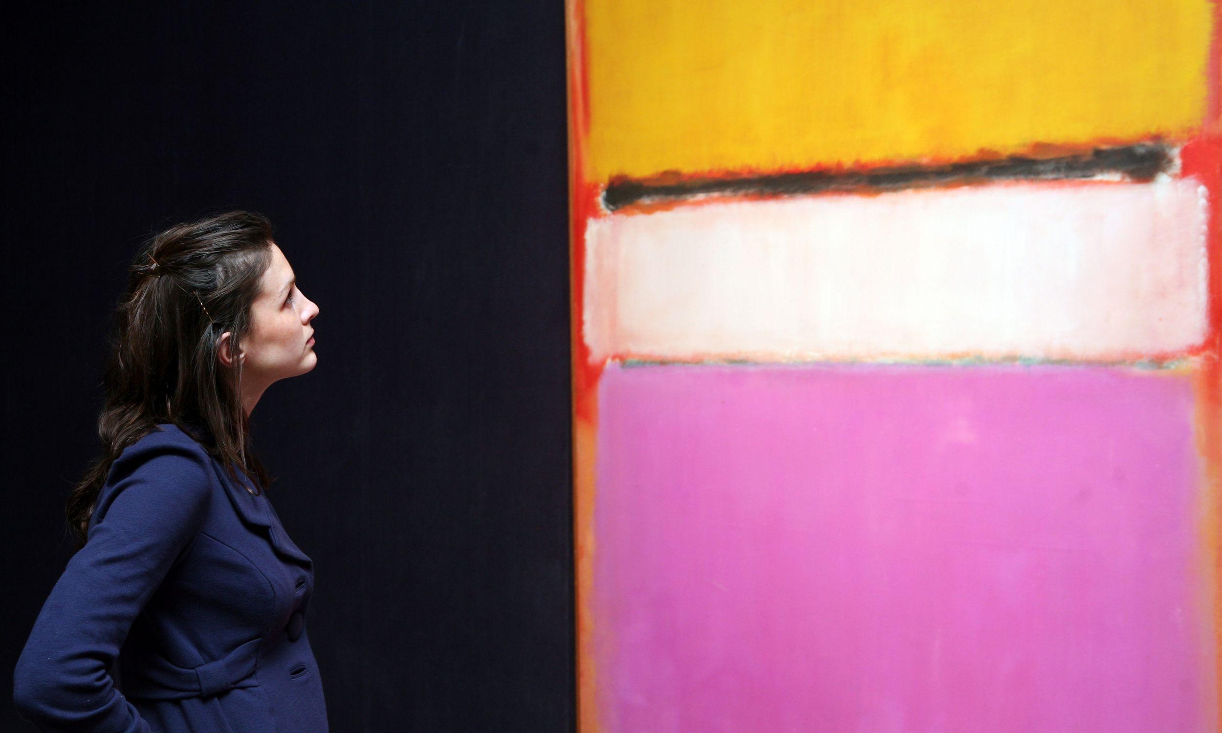 """""""Yellow, Pink and Lavender on Rose"""" Marka Rothko z kolekcji Davida Rockfellera został sprzedany za prawie 73 miliony dolarów. Fot. Matt Cardy/Getty Images"""