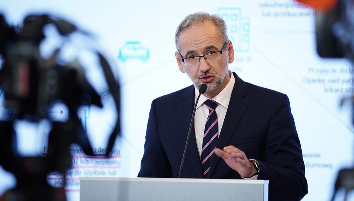 Minister Niedzielski uspokaja ws. szczepionek (fot. Forum/Mateusz Wlodarczyk)