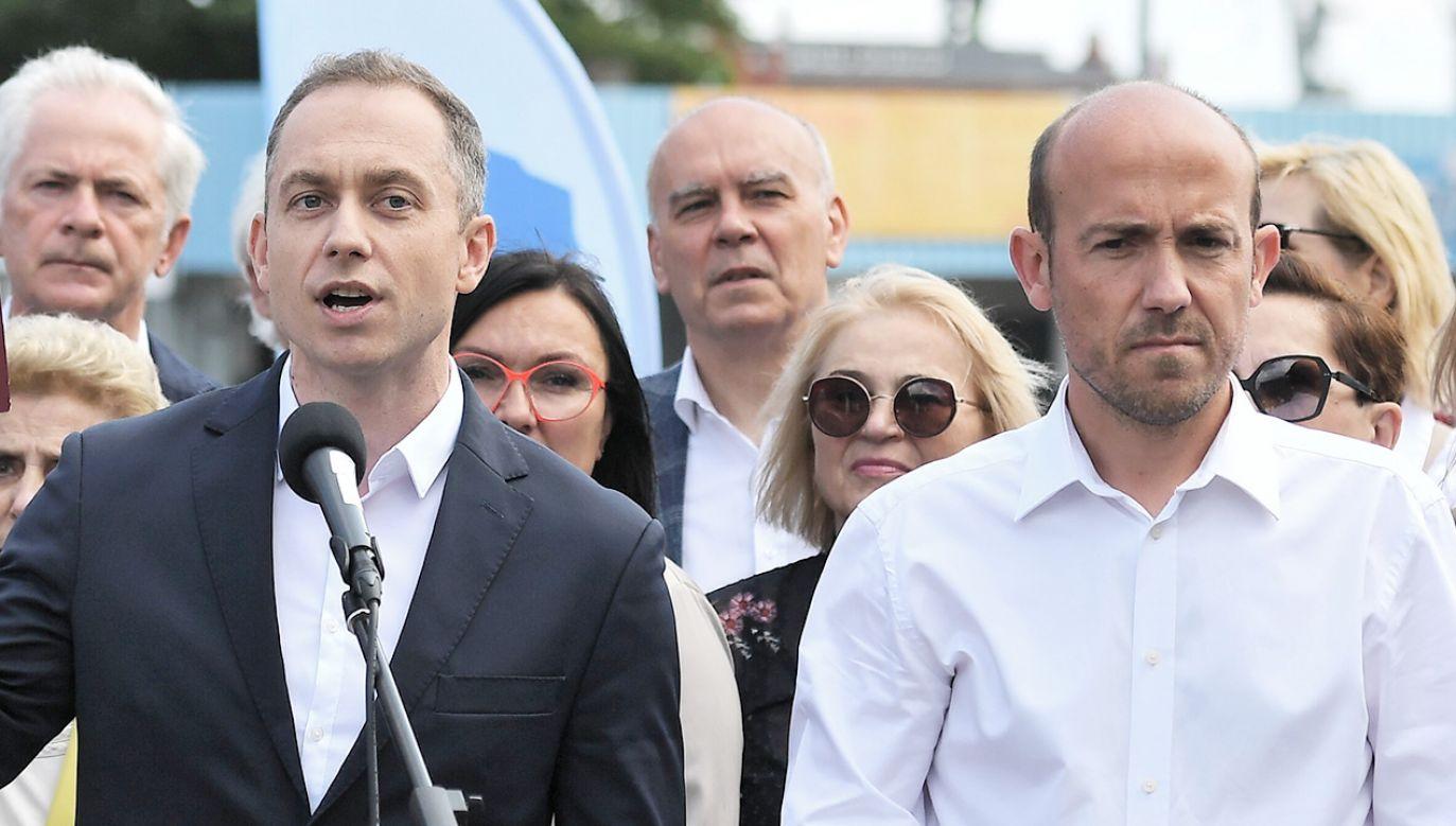 Cezary Tomczyk i Borys Budka (fot. PAP/Marcin Gadomski)