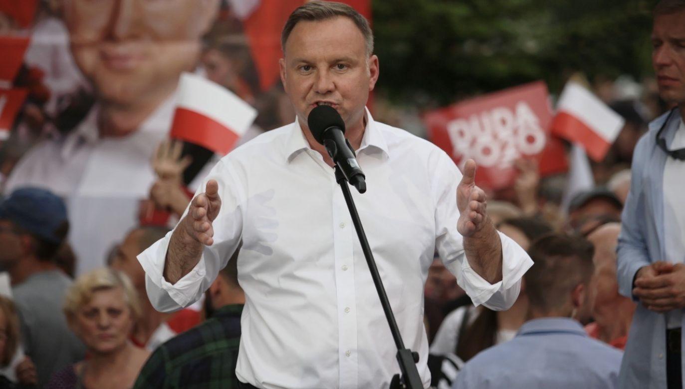 Chodzi o sprawę ułaskawienia przez prezydenta osoby skazanej za pedofilię (fot. PAP/Lech Muszyński)