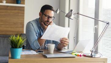 Powszechne wprowadzanie pracy zdalnej ma związek z epidemią (fot. Shutterstock/Jelena Zelen)