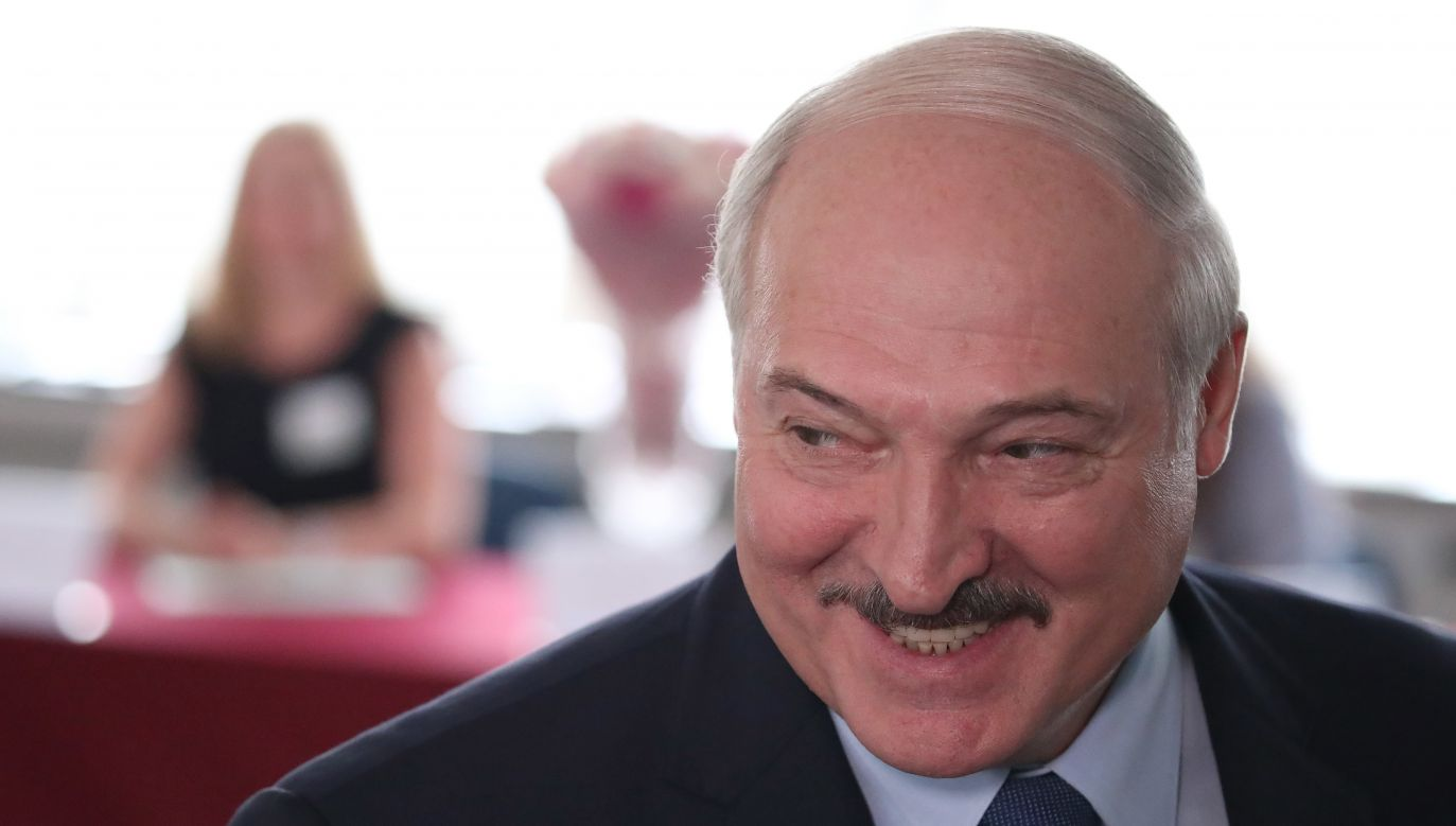 Sondaż przeprowadził Białoruski Komitet Organizacji Młodzieżowych na zlecenie białoruskiego przedstawicielstwa telewizji Mir (fot. PAP/EPA/TATYANA ZENKOVICH)