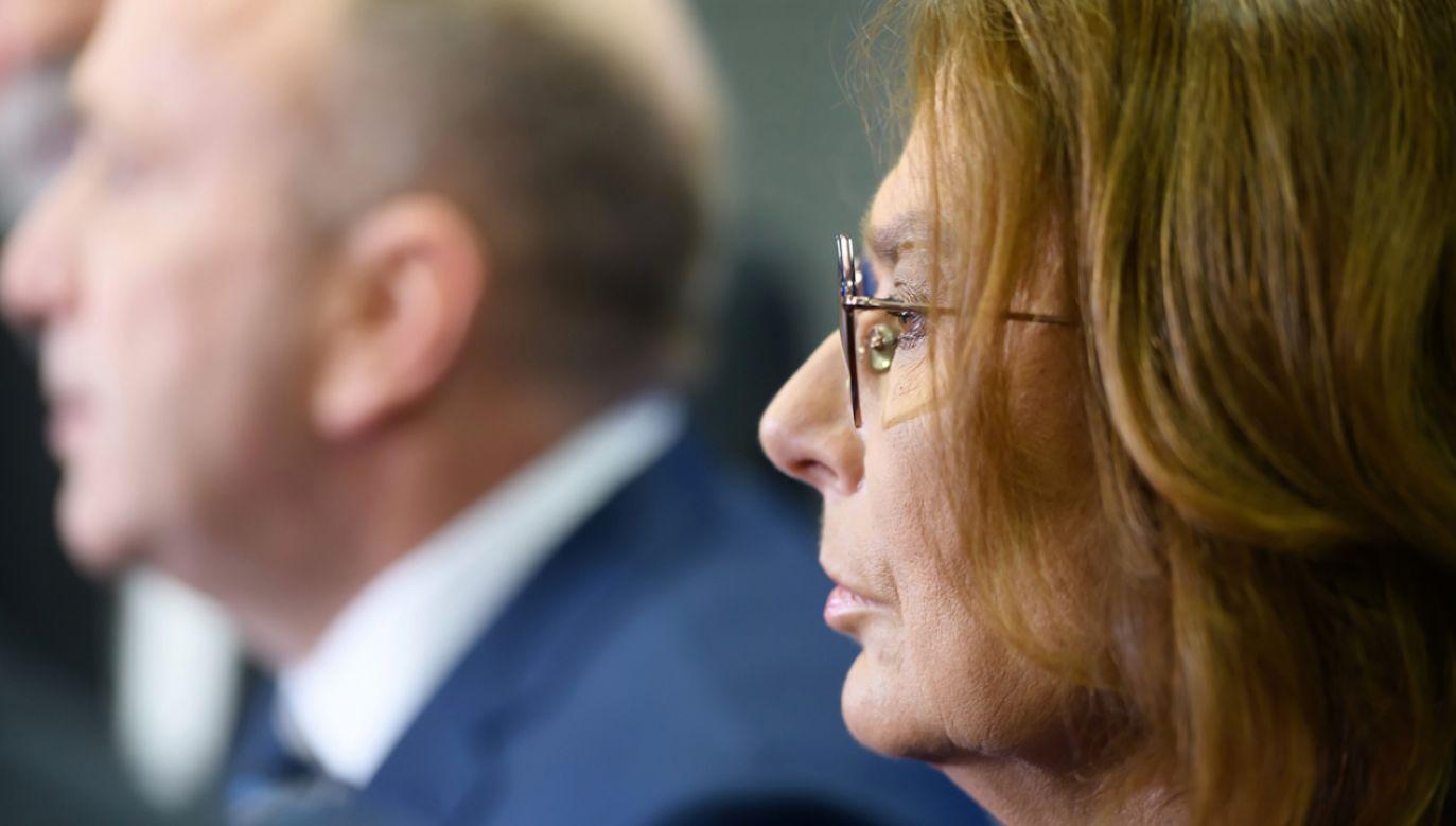 Wicemarszałek Sejmu Małgorzata Kidawa-Błońska podczas briefingu prasowego (fot. PAP/Jakub Kaczmarczyk)