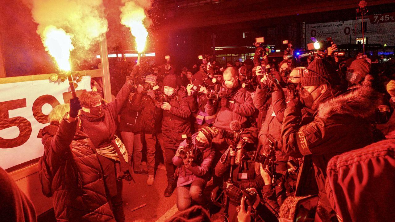 Do protestów doszło wczoraj popołudniu w centrum Warszawy (fot. PAP/Mateusz Marek)