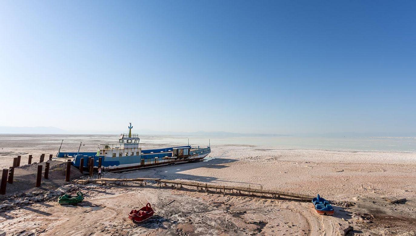 Poziom wody gwałtownie spada od 25 lat (fot. Dominika Zarzycka/NurPhoto via Getty Images)