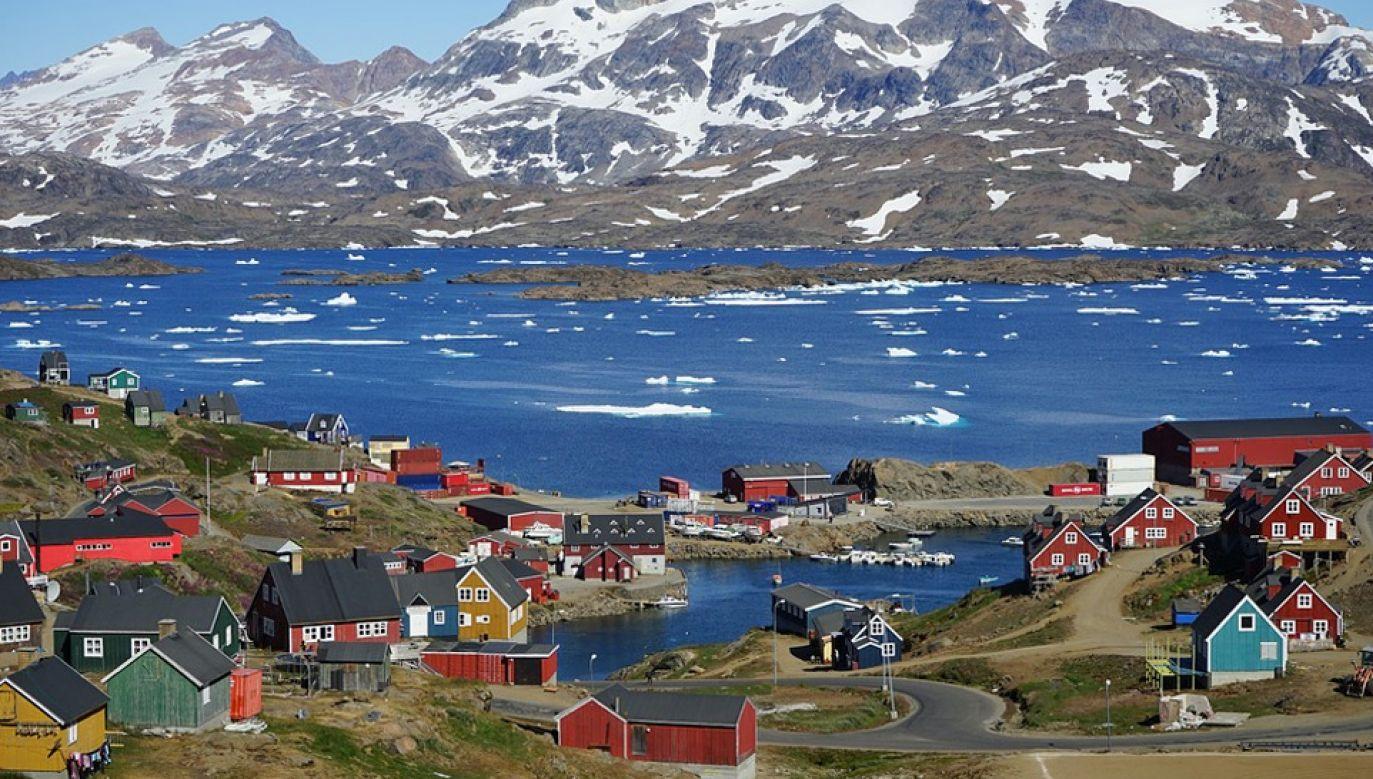 Grenlandię, największą wyspę świata, zamieszkuje zaledwie 56 tys. osób (fot. Pixabay/Barni1)