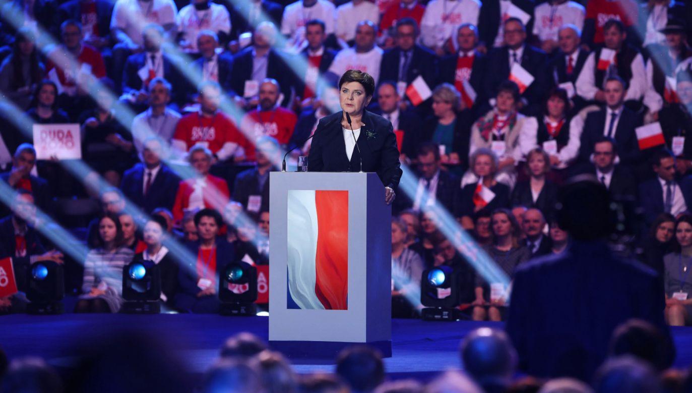 Europosłanka PiS Beata Szydło  przemawia podczas konwencji PiS (fot. PAP/Rafał Guz)