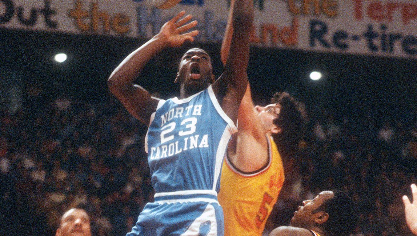 Michael Jordan był zawodnikiem akademickiej drużyny z Nowej Karoliny w latach 1981–1984 (fot. Focus on Sport/Getty Images)