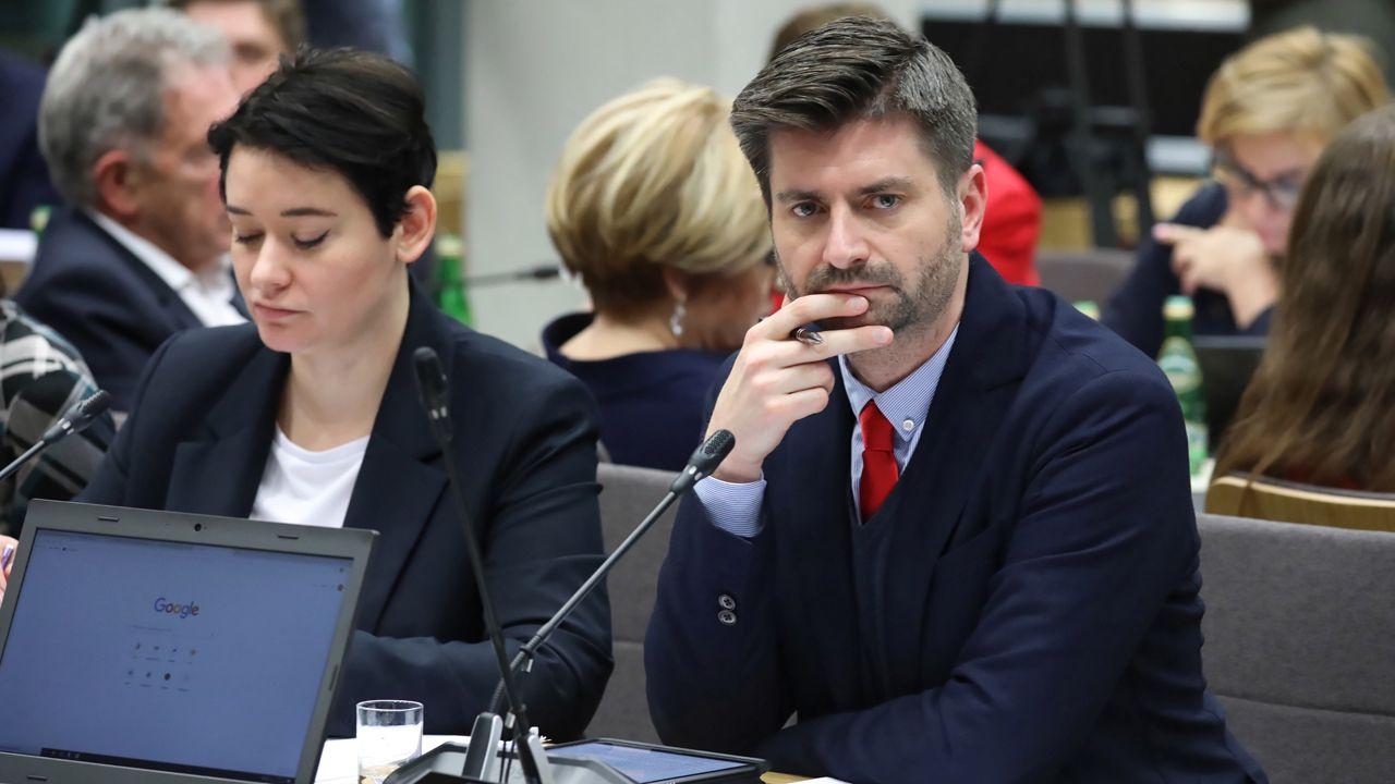 Nie przyjęte na komisji poprawki opozycji zostaną zgłoszone jako wnioski mniejszości (fot. PAP/Tomasz Gzell)