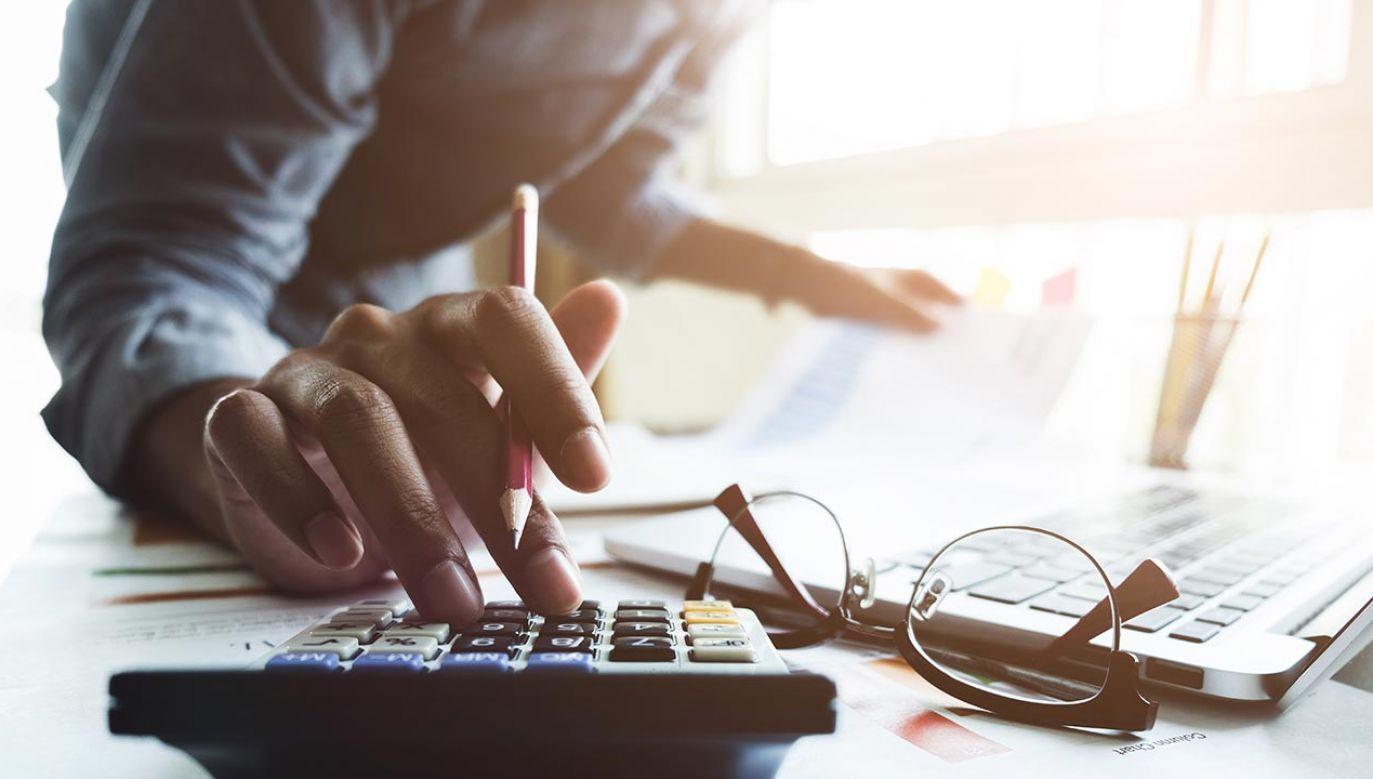 Ustawa rozszerza krąg uprawnionych do zwolnienia z podatku od spadków i darowizn (fot. Shutterstock/Natee Meepian)