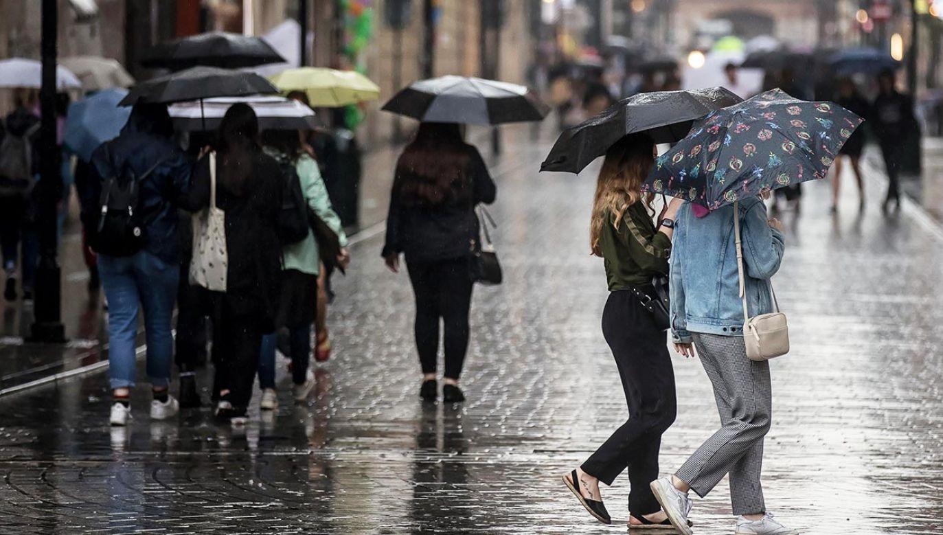 Spodziewajmy się silnych burz i ulew (fot. PAP/Łukasz Gągulski)