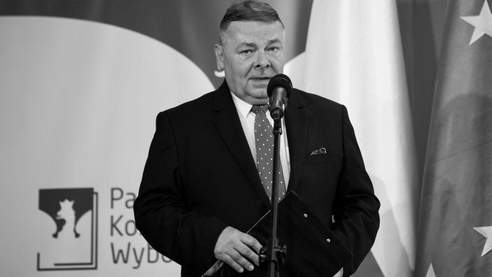 Tomasz Grzelewski, rzecznik PKW, nie żyje. Państwowa Komisja Wyborcza wieszwiecej - tvp.info