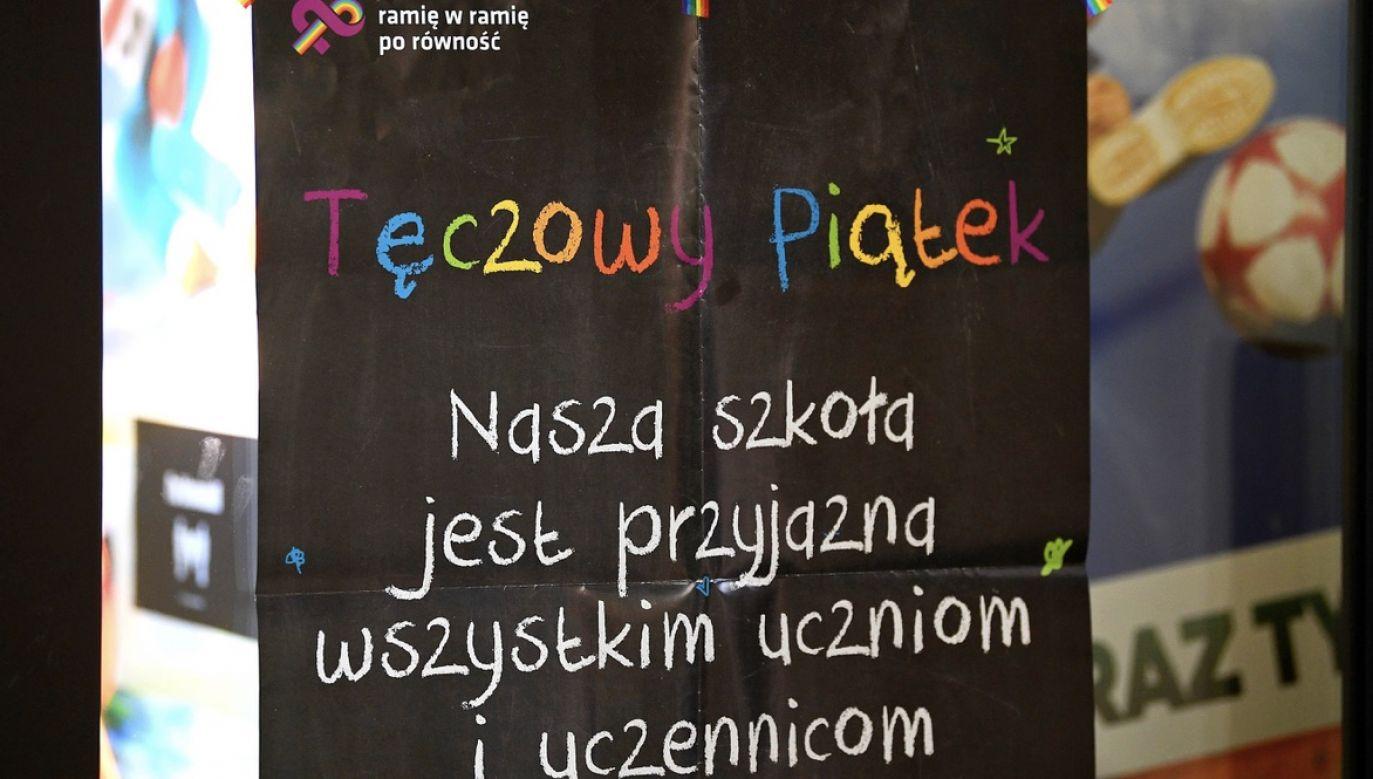 Wszelkie programy i projekty odnoszące się do wychowania, bezwzględnie muszą być ustalane z rodzicami (fot. arch. PAP/Marcin Kmieciński)