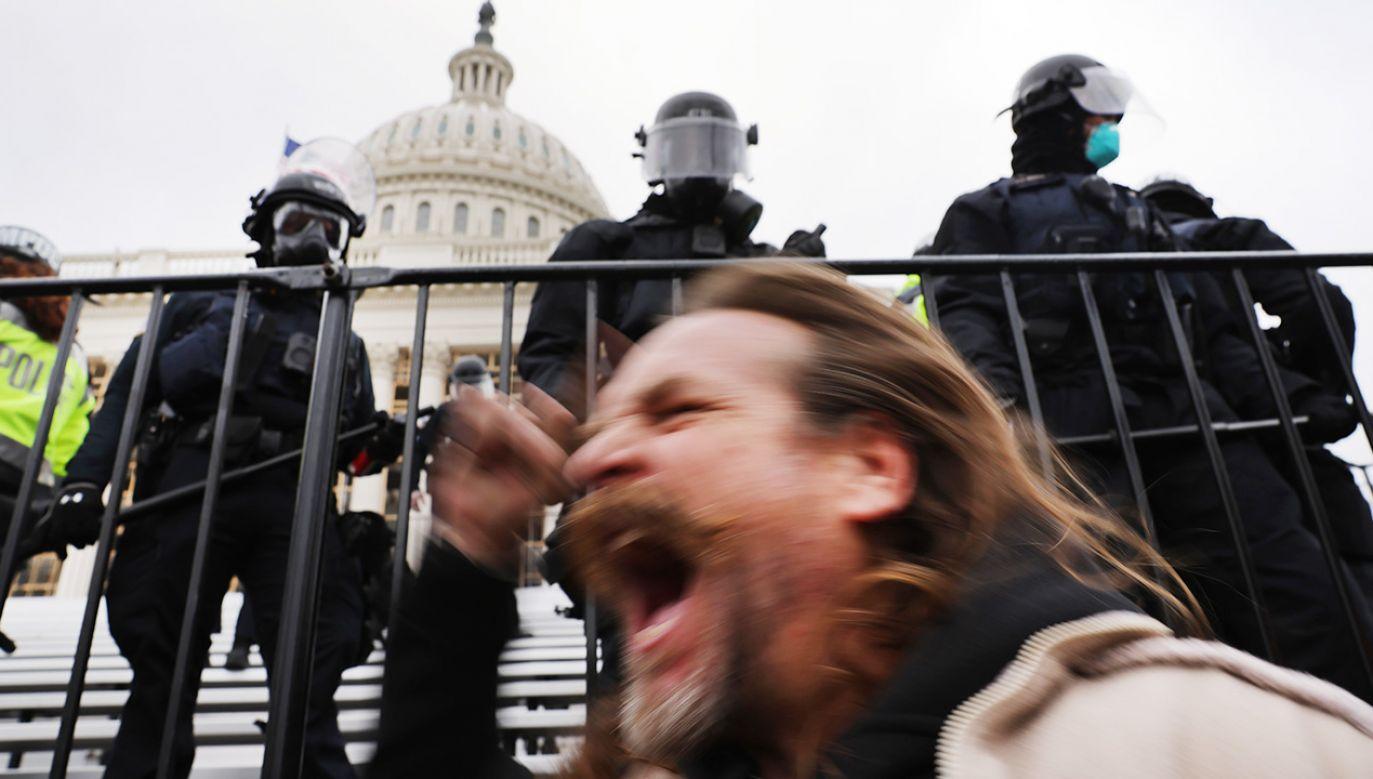 Przesłuchania przed specjalną komisją amerykańskiej Izby Reprezentantów ds. wydarzeń z 6 stycznia.(fot. Spencer Platt/Getty Image)